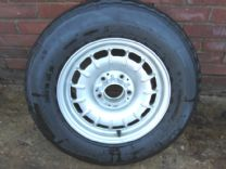 MERCEDES W107 ALLOYs WITH TYRES.